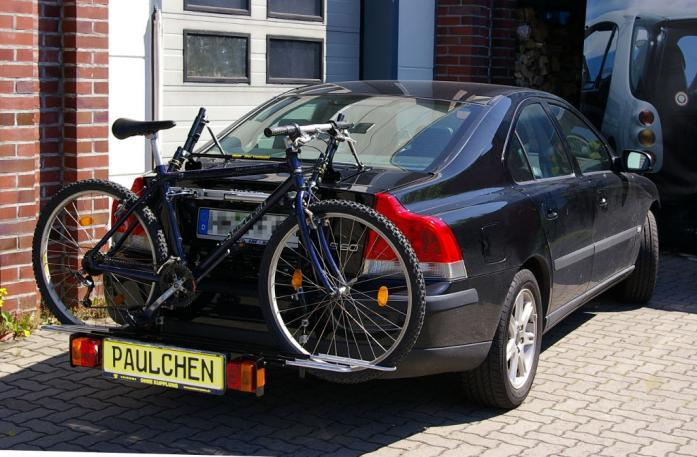 Volvo S 60 Stufenheck (P24) Bike carrier with comfort load extension and loaded bike. Without trailer hitch!
