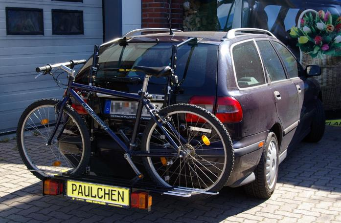 Volvo V 40 Combi Bike carrier with comfort load extension and loaded bike. Without trailer hitch!