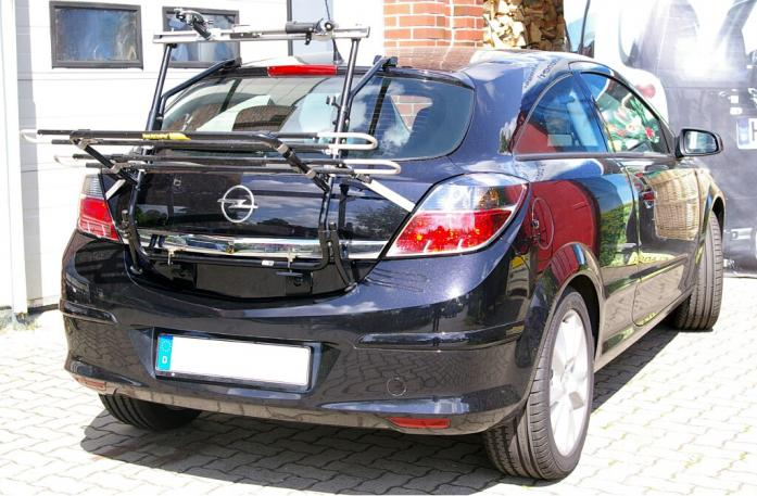 Opel Astra H Schrägheck GTC Bike carrier in loading position