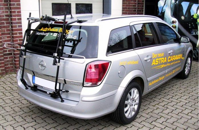 Opel Astra H Caravan Bike carrier in standby position