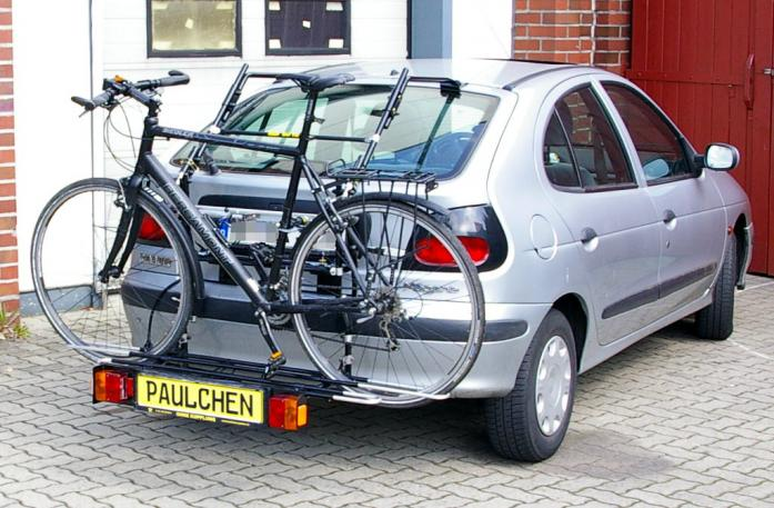 Renault Megane I Bike carrier with comfort load extension and loaded bike. Without trailer hitch!