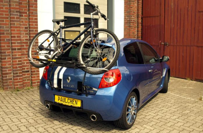 Renault Clio 3 RS (R) Bike carrier loaded with bike