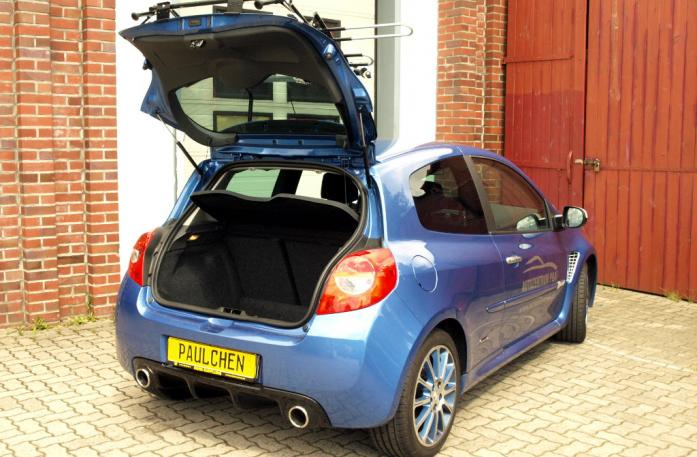 Renault Clio 3 RS (R) Bike carrier with open tailgate and mounted carrier