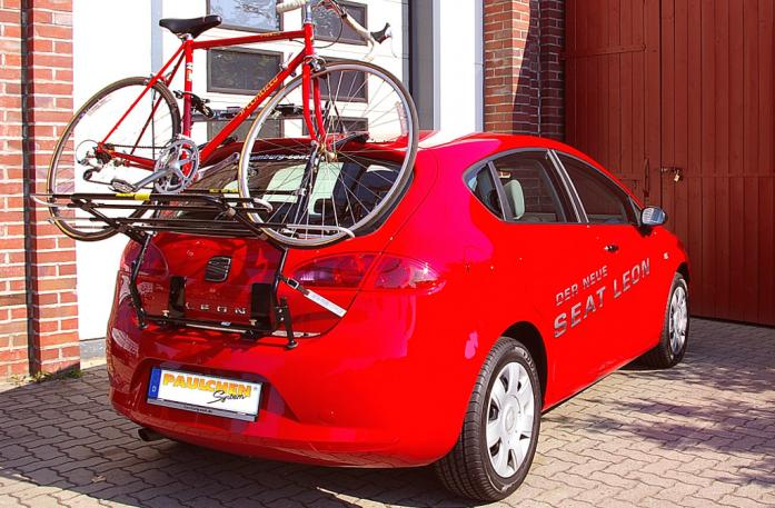 Seat Leon Bike carrier loaded with bike