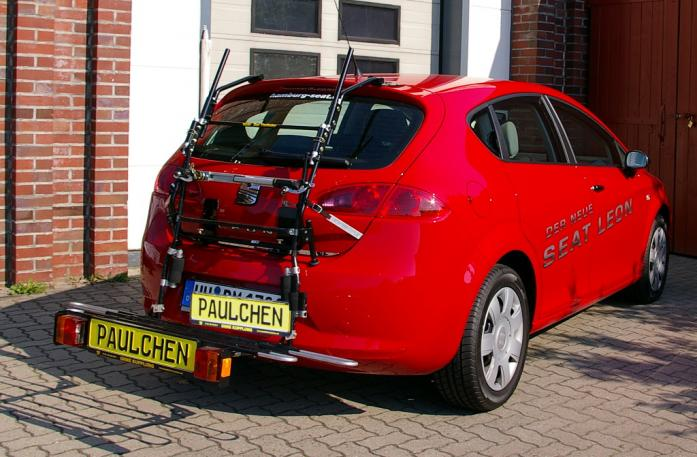 Seat Leon Bike carrier with comfort load extension in loading position. Without trailer hitch!