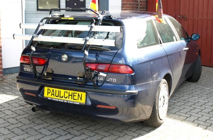 Alfa Romeo 156 Sportwagon Bike carrier in loading position