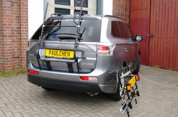 Mitsubishi Outlander III (CW0) Bike carrier with separated comfort load extension.