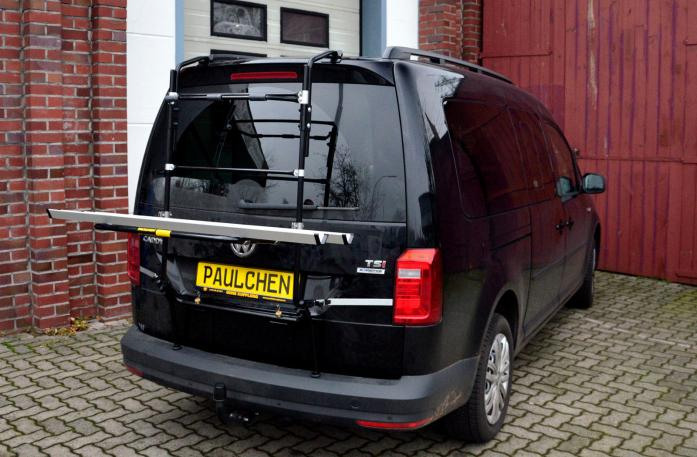 Volkswagen Caddy IV Bike carrier in loading position