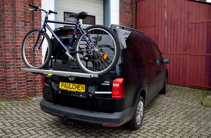 Volkswagen Caddy IV Bike carrier loaded with bike