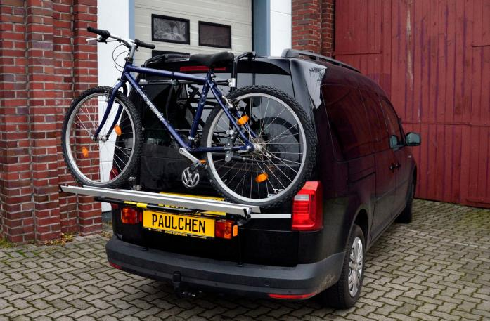 Volkswagen Caddy IV Bike carrier with light bar and loaded with bike
