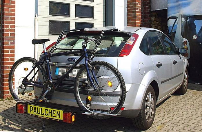 Ford Focus Bike carrier with comfort load extension and loaded bike. Without trailer hitch!