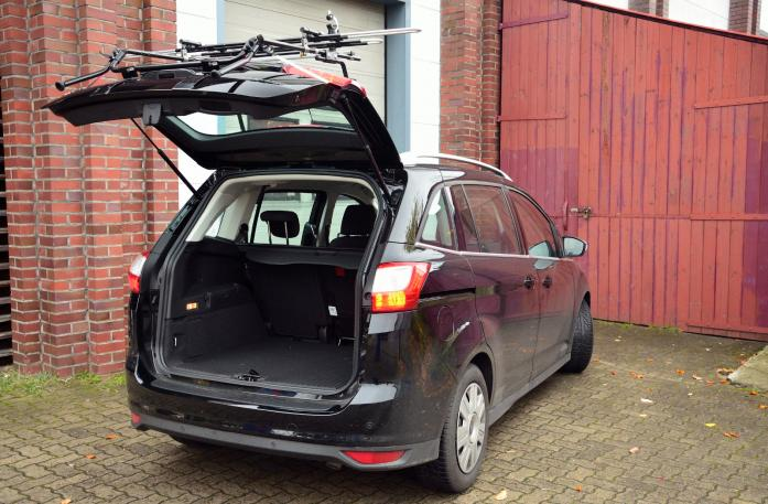 Ford Grand C-Max, Bike carrier with open tailgate and mounted carrier