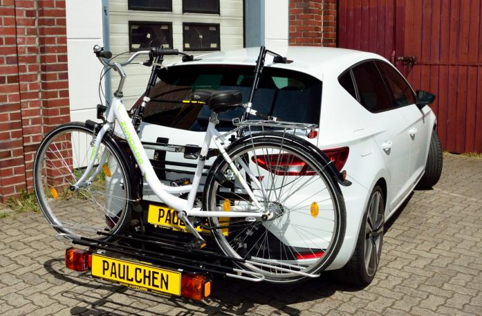 Seat Leon Cupra (5F) Bike carrier with comfort load extension and loaded bike. Without trailer hitch!