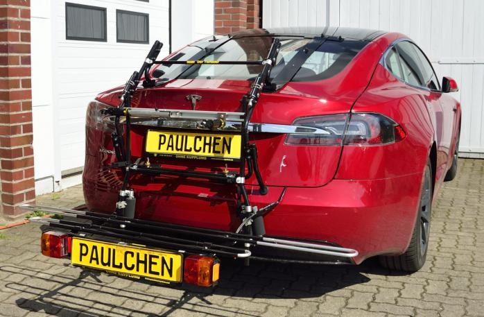 Tesla Model S Bike carrier with comfort load expansion in loading position. Without trailer hitch!