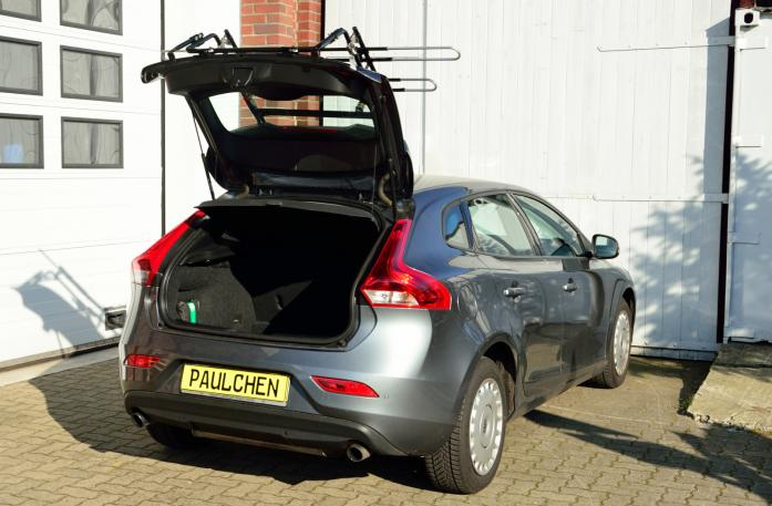 Volvo V40 (525/526) Bike carrier with open tailgate and mounted carrier