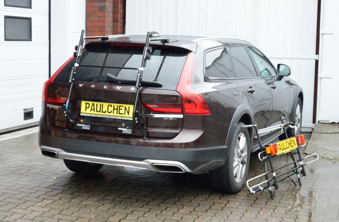 Volvo V90 Bike carrier with separated comfort load expansion.