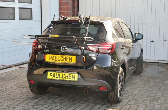 Mazda 2 (DJ) Bike carrier with light bar in loading position
