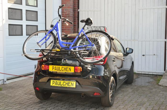 Mazda 2 (DJ) Bike carrier with light bar and loaded with bike