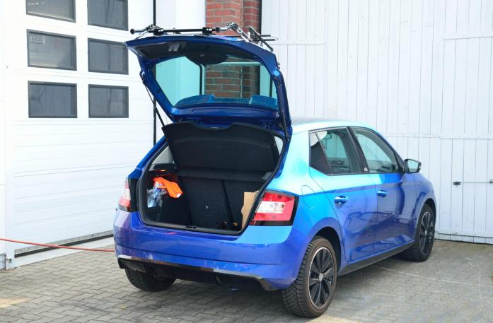Skoda Fabia III m. Spoiler (NJ3) Bike carrier with open tailgate and mounted carrier