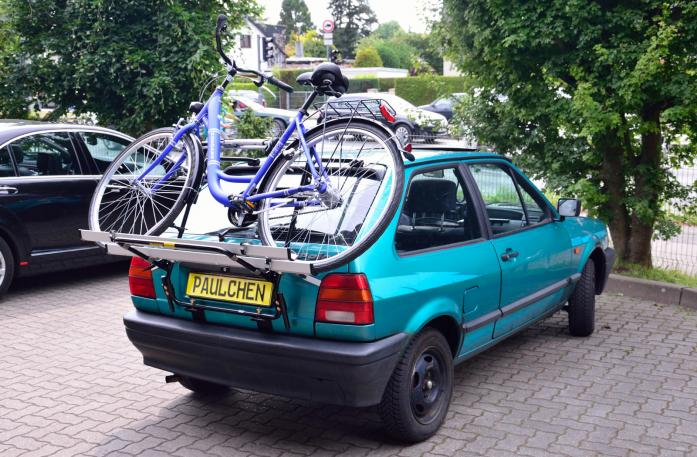 Volkswagen Polo Coupé (86C) Bike carrier loaded with bike