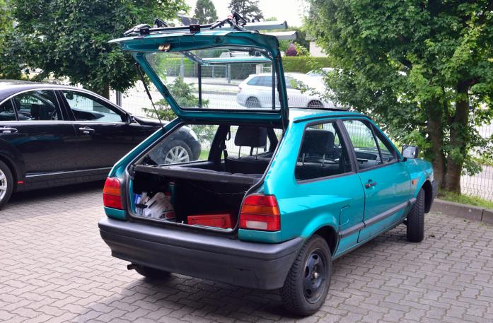 Volkswagen Polo Coupé (86C) Bike carrier with open tailgate and mounted carrier