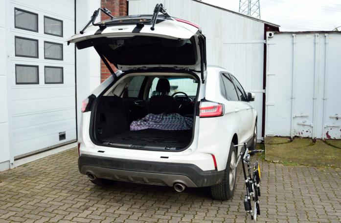 Ford Edge Facelift Bike carrier with open tailgate and mounted carrier