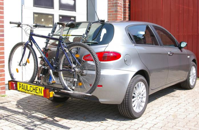 Alfa Romeo 147 Bike carrier with comfort load extension and loaded bike. Without trailer hitch!