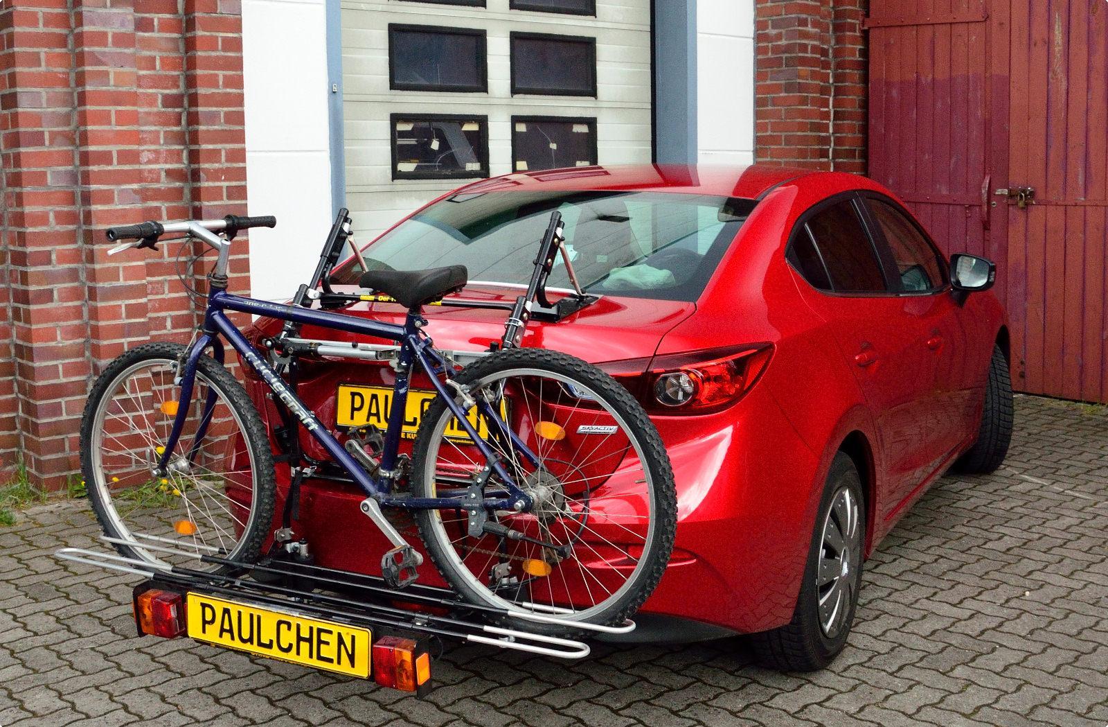 Mazda 3 Saloon