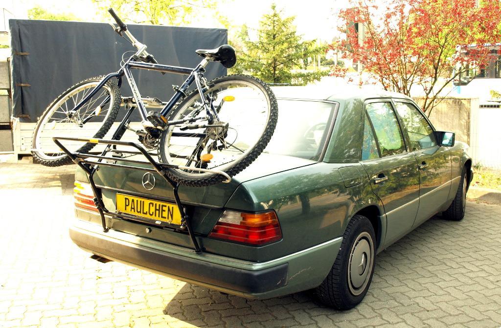 mercedes e klasse stufenheck bike rack paulchen. Black Bedroom Furniture Sets. Home Design Ideas