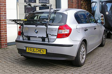BMW 1er Bike carrier in loading position