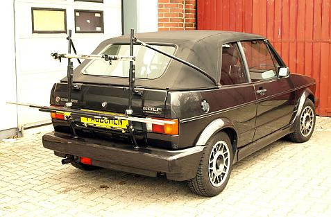 Volkswagen Golf I Cabrio (155) Bike carrier in loading position
