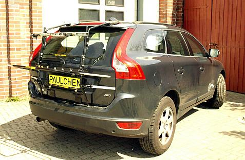 Volvo XC60 Bike carrier in loading position