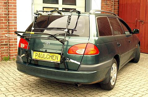 Toyota Avensis Combi Bike carrier in loading position