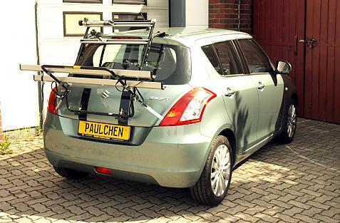 Suzuki Swift IV Bike carrier in loading position