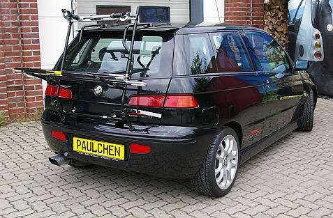 Alfa Romeo 145 Bike carrier in loading position