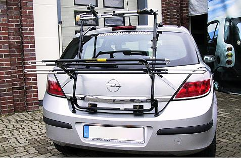 Opel Astra H Schrägheck Bike carrier in loading position