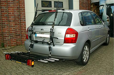 Kia Cerato Bike carrier with comfort load extension in loading position. Without trailer hitch!