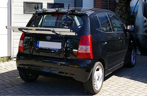 Kia Picanto Bike carrier in loading position