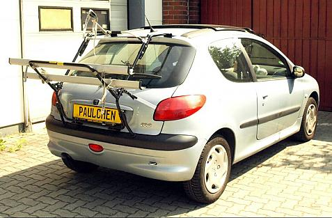 Peugeot 206 Bike carrier in loading position