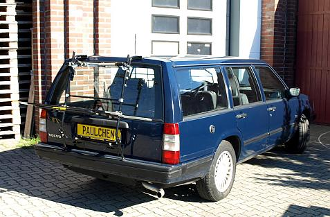 Volvo 740 / 960 / V90 Combi Bike carrier in loading position