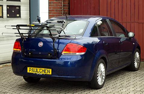 Fiat Linea Stufenheck Bike carrier in loading position