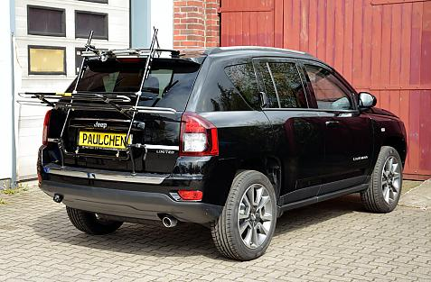 Chrysler Jeep Compass Limited Bike carrier in loading position