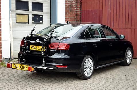 Volkswagen Jetta IV Hybrid Bike carrier with comfort load extension in loading position. Without trailer hitch!