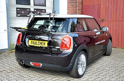 Mini Mini Cooper (F56) Bike carrier in loading position