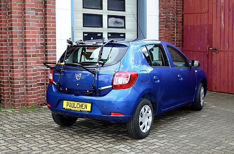 Dacia Sandero Bike carrier in loading position