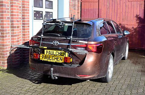 Toyota Avensis Touring Sports Bike carrier with light bar in loading position