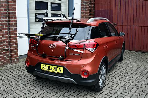 Hyundai i20 Crossover-Active (GB) Bike carrier in loading position