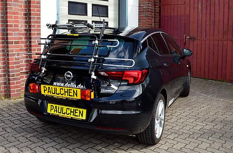 Opel Astra K Bike carrier with light bar in standby position