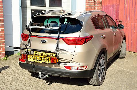 Kia Sportage (QL) Bike carrier with light bar in loading position