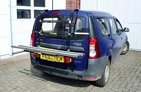Dacia Logan MCV Bike carrier in loading position